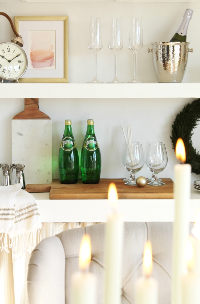 city-farmhouse-holiday-dining-room-with-birch-lane-open-shelving