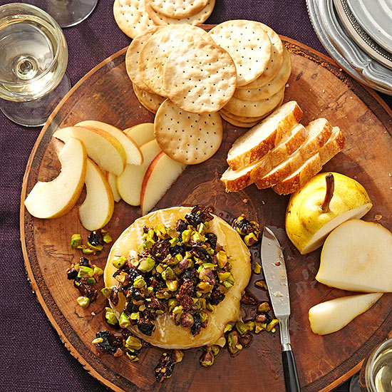 warm-brie-with-fig-and-pistachio-tapenade-bhg