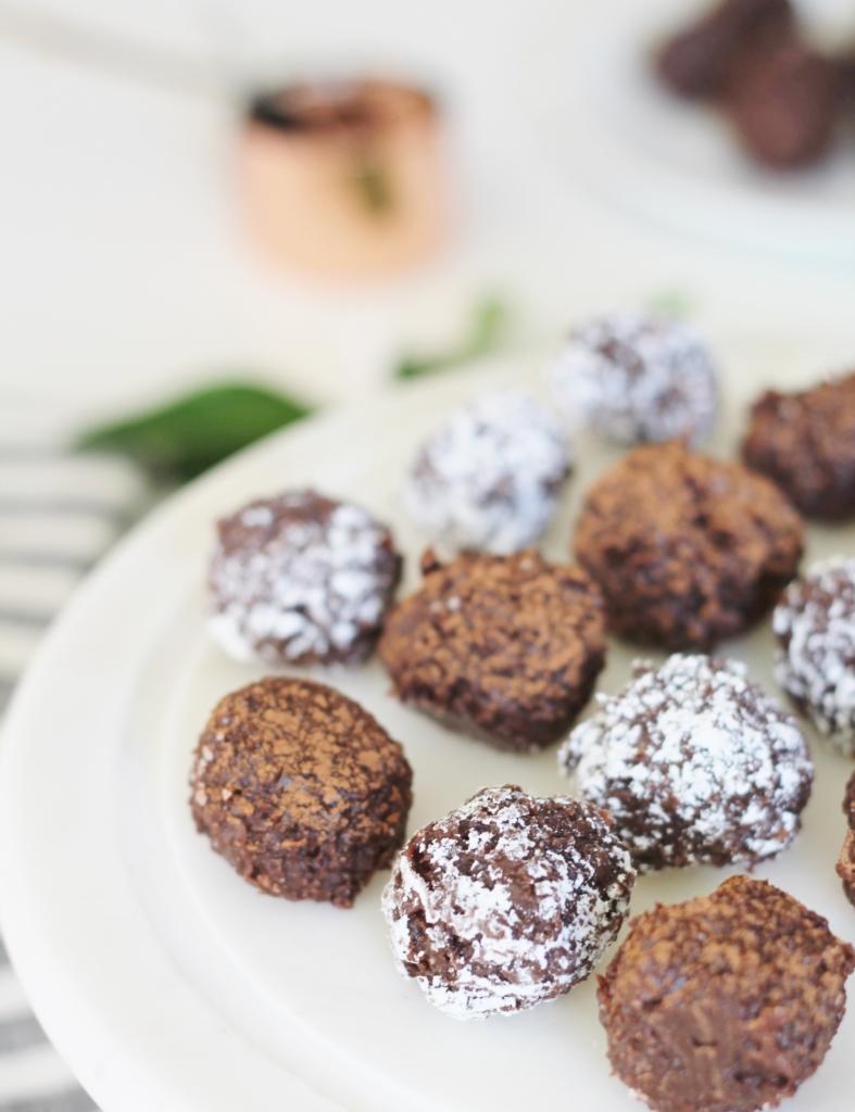 Guten Free Coconut Fudge Bites + Holiday Cookie Hop