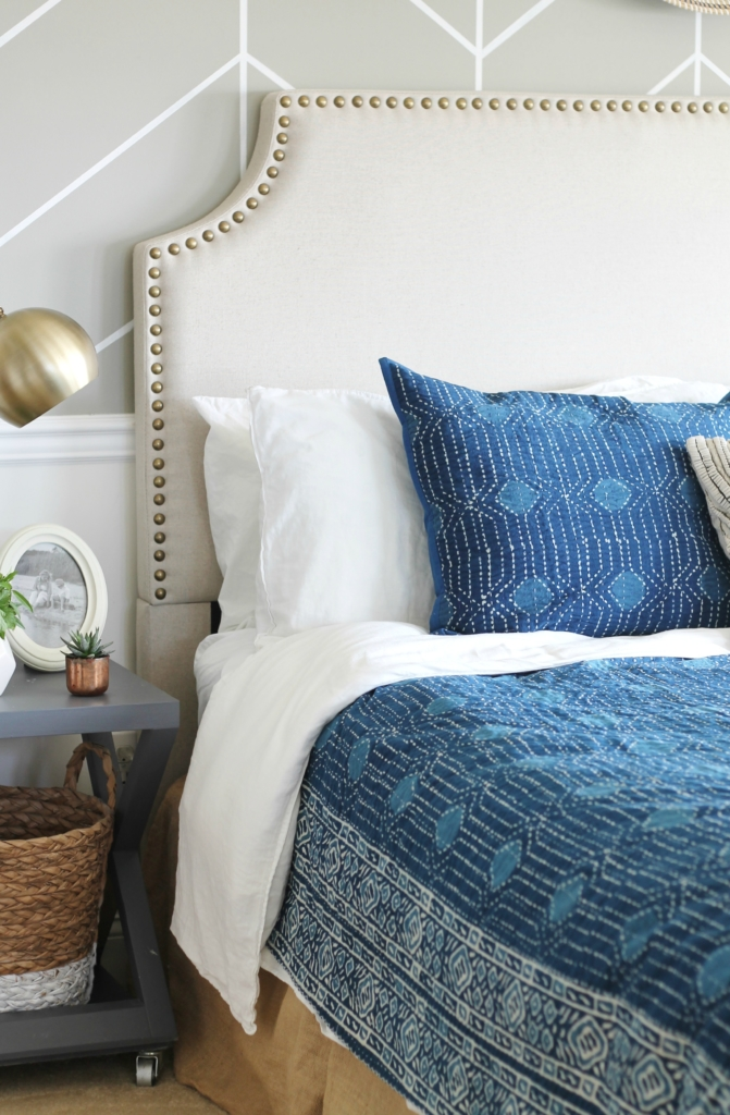 Charmant Master Bedroom Makeover Mixing It Up With Indigo Annie Selke Bedding + Rug