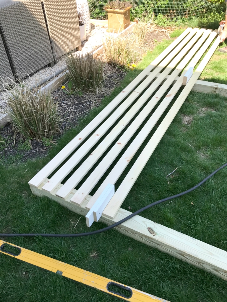 Modern Wood Slatted Outdoor Privacy Screen Details How Build