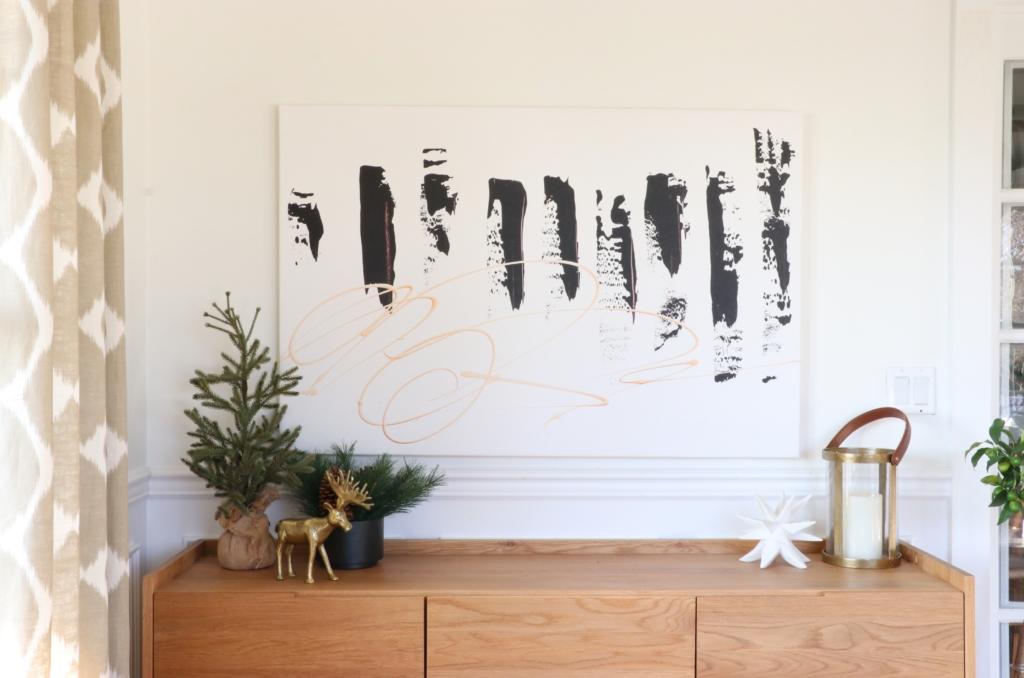 Cozy Christmas Den With An Cheerful Color Scheme